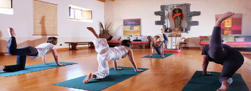 retiro surf y yoga