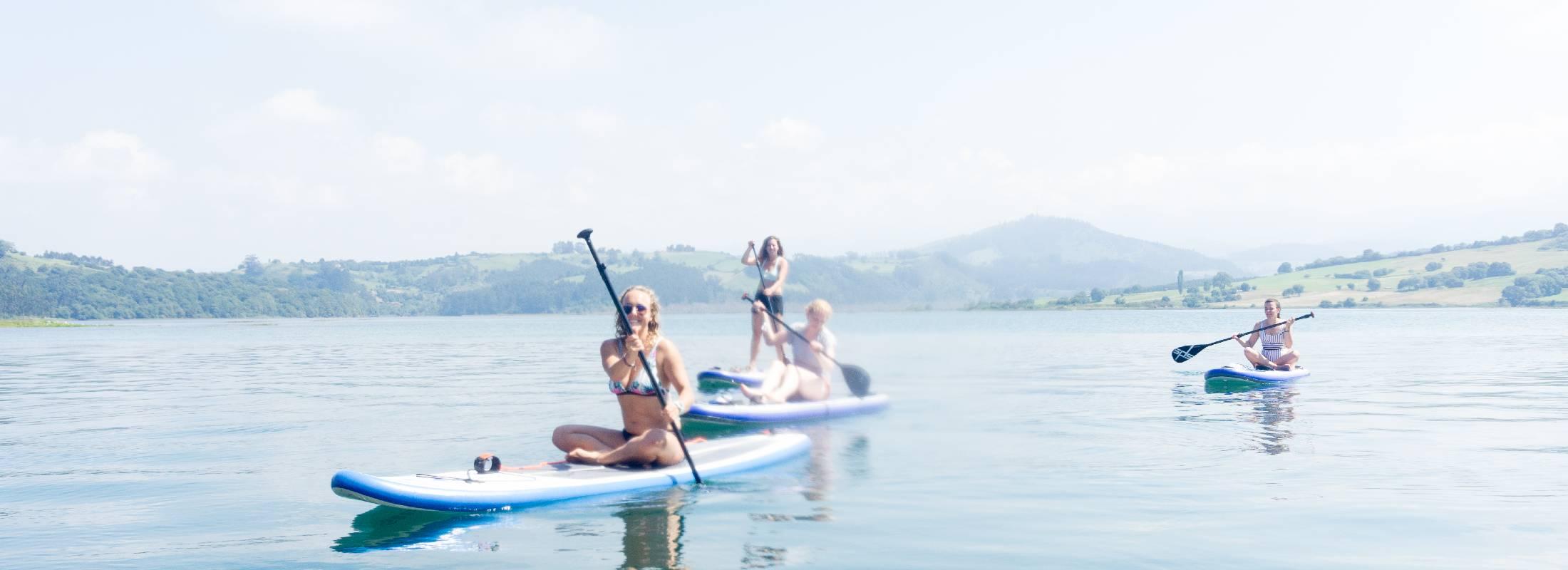 deportes acuáticos en el surf camp de cantabria
