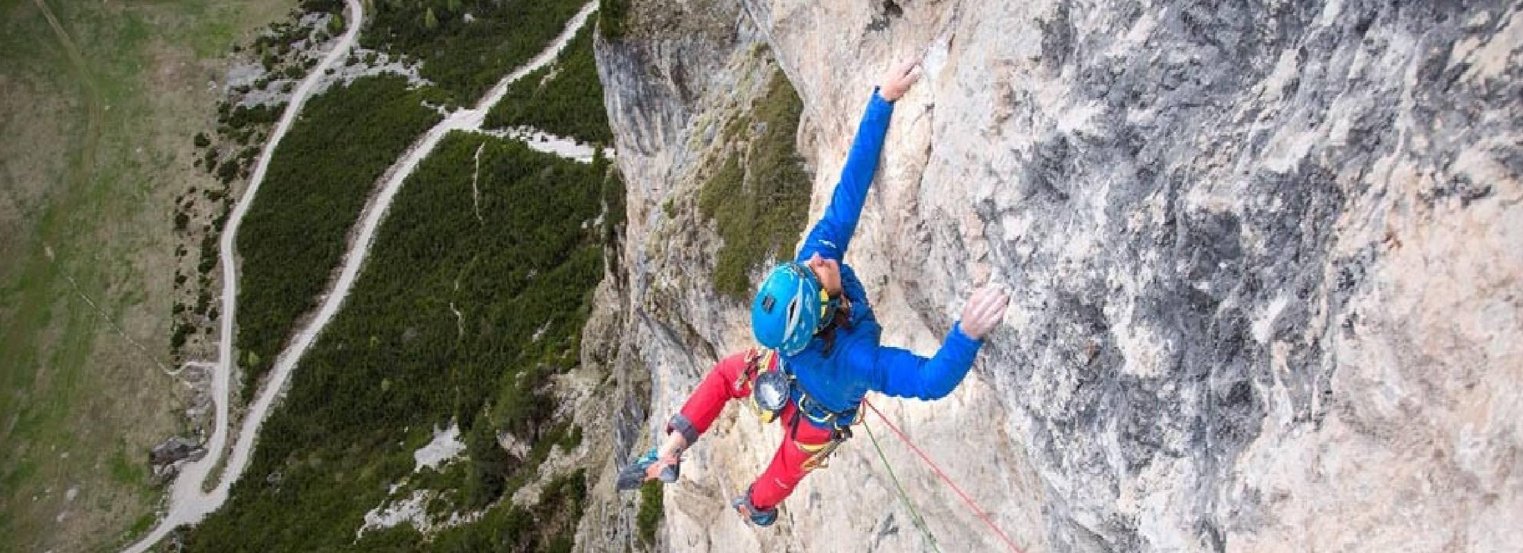 escalada en roca con guia en los dolomitas