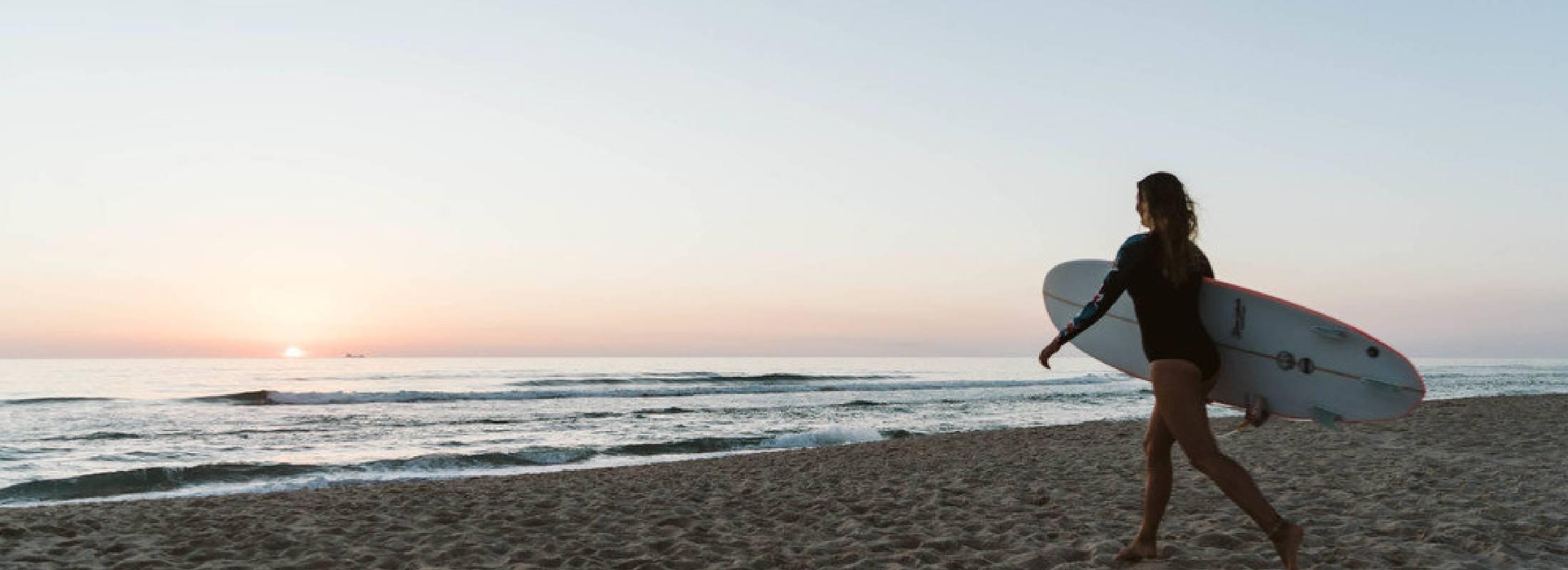 surfea de la mano del surf camp cerca de oporto