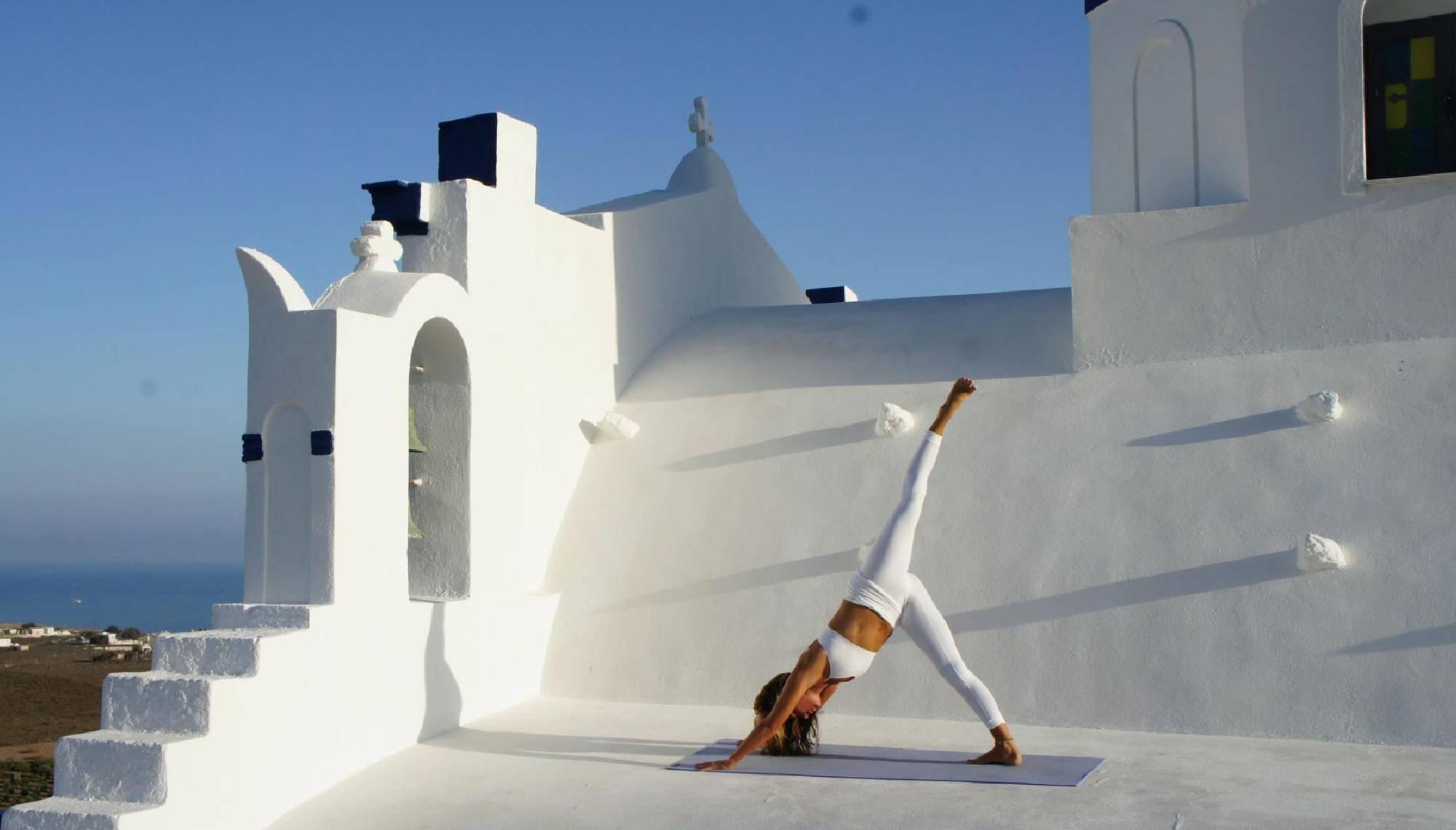 retiro de yoga en santorini