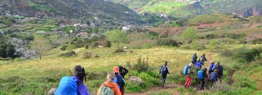 naturaleza marroquina - senderismo en grupo